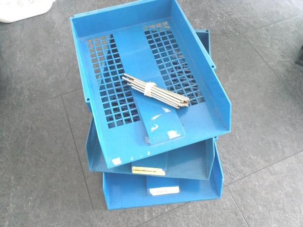 *FREE*: A4 stackable plastic filing trays