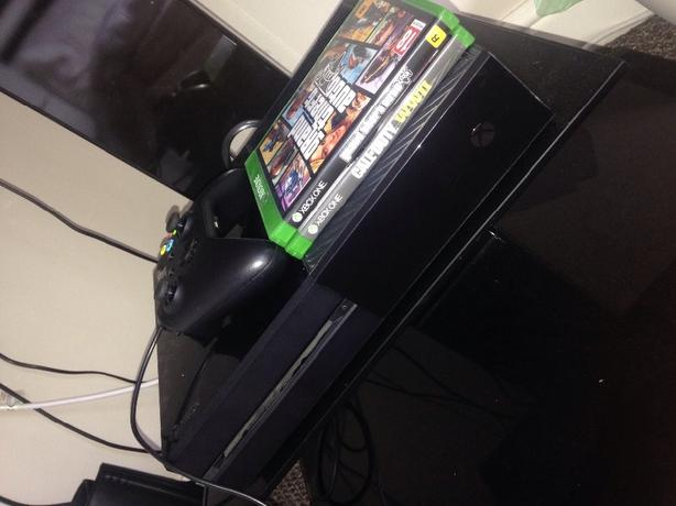Xbox One With Games £140 ono