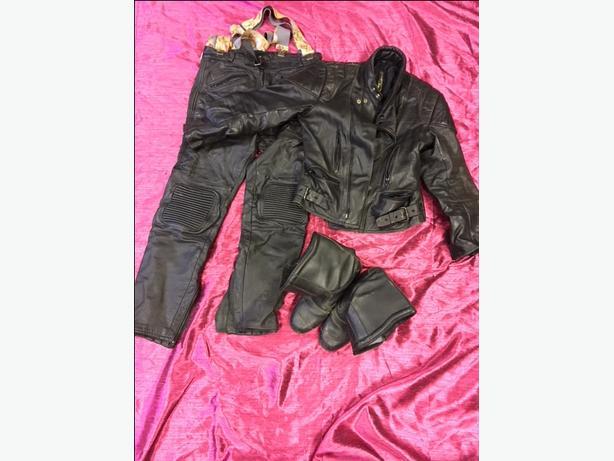 Motorbike leathers set