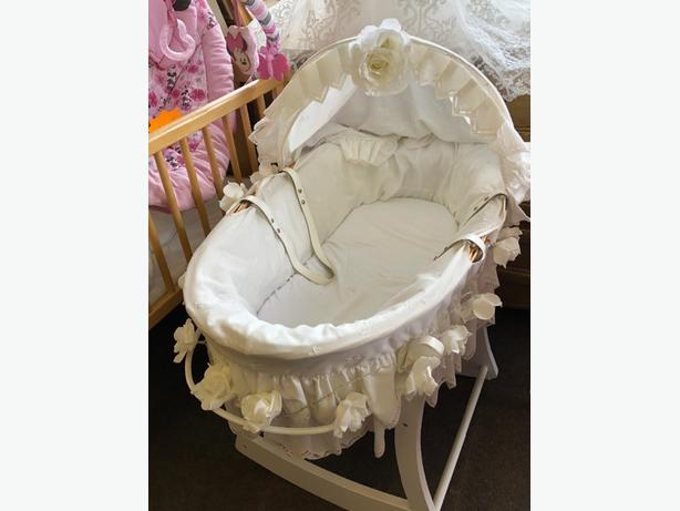 Moses basket and stand with light up roses