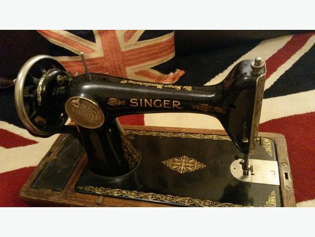 singer hand crank sewing machine working
