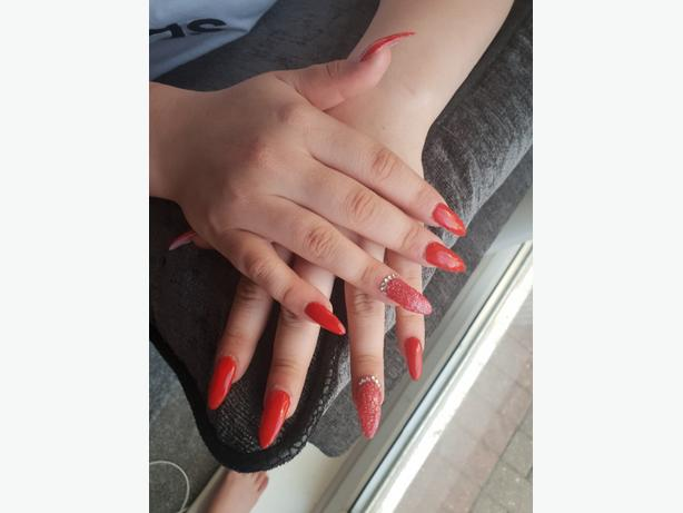WANTED: clients for nails treatments