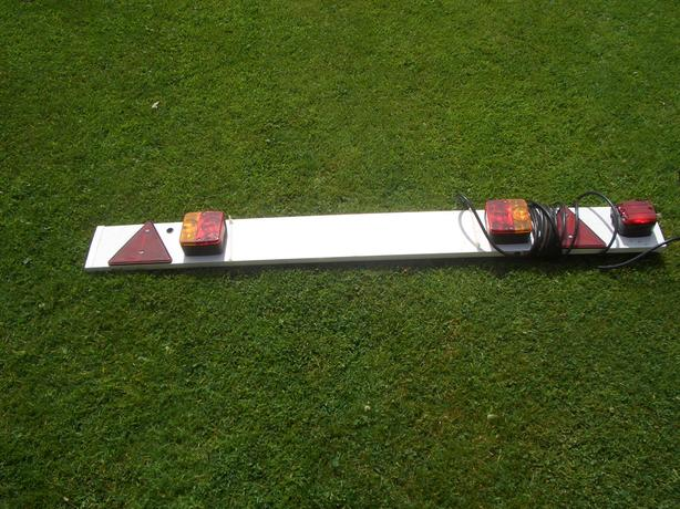 Tow board with lights