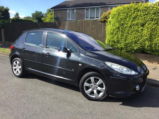 Peugeot 307 1.6i SE 5dr hatch - 1 family owned with history !
