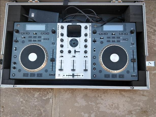 Numark MixDeck All in One Professional  DJ controller