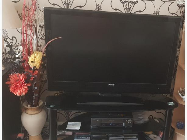 42inch Black bird tv with stand