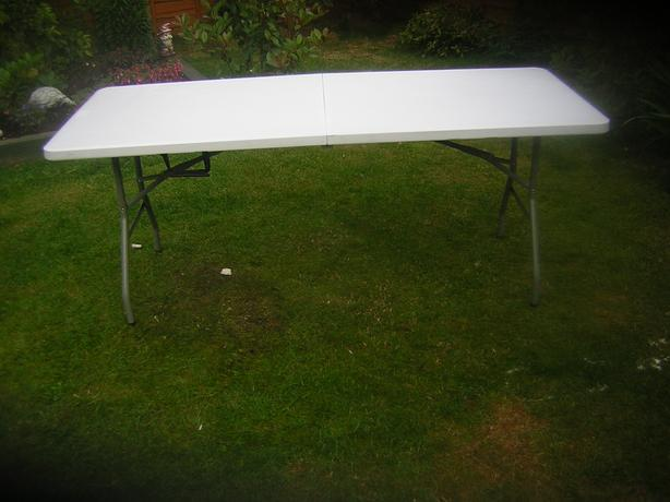 six foot foldable table