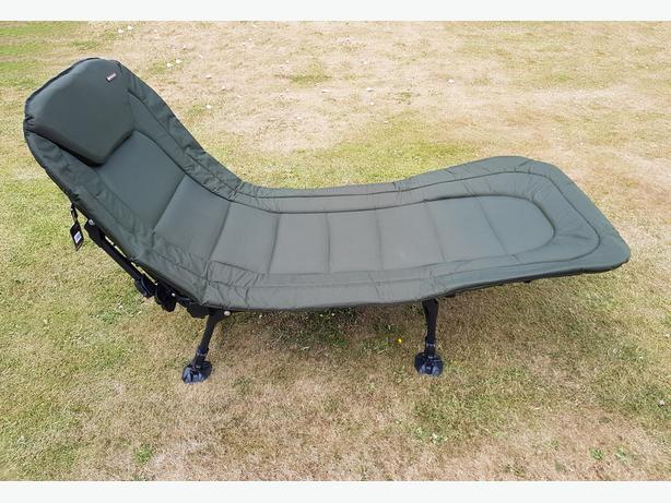 Specimen Anglers Bedchair - 6 Leg, Recliner with Pillow