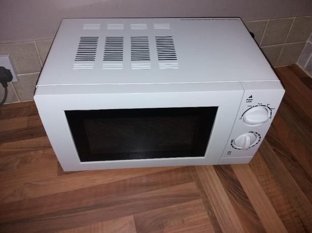 George Manual Microwave 17Litres