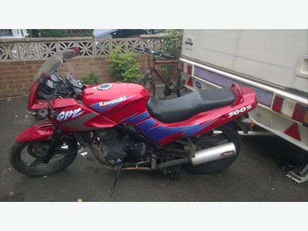 offers kwak gpz500s with private plate PROJECT STARTS N RUNS