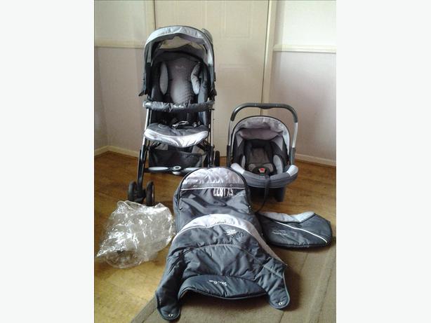 Silver Cross Ventura Plus infant carrier & 3D Pram System