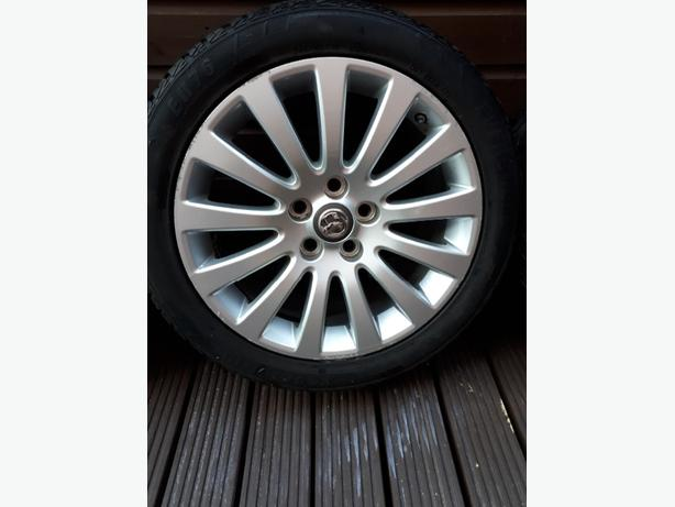 oringinal 18nch Vauxhall alloys and tyres