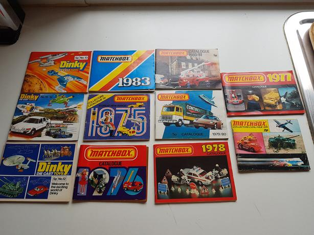 11 COLLECTABLE DINKY MATCHBOX DIECAST MODELS POCKET REFERENCE CATALOGUES