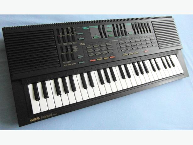 YAMAHA  PORTASOUND PSS 560 Vintage Keyboard, + Box 49 Keys.