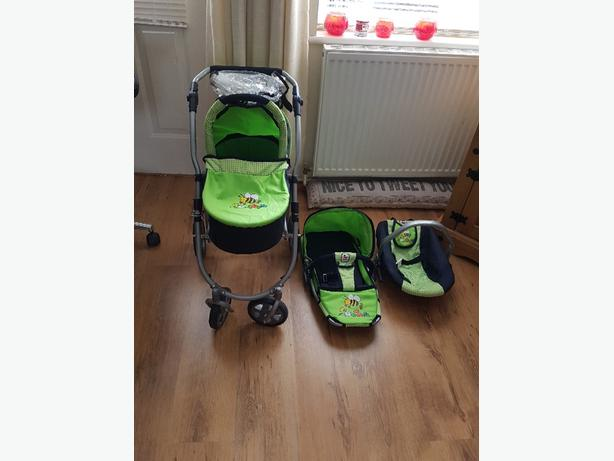 Dolls Pram/Pushchair With Car Seat And Rain Cover