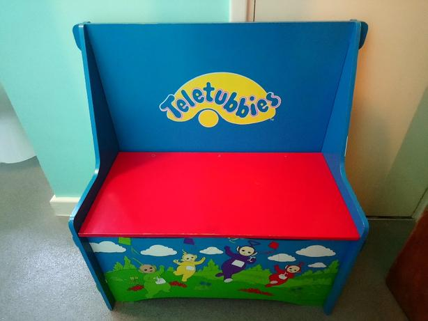 Teletubbie chair with storage