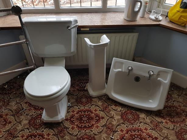Radiator Voor Toilet : Toilet sink radiator wolverhampton wolverhampton