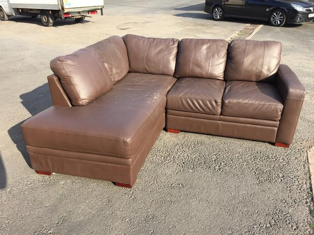 BROWN LEATHER CORNER SOFA \\ SUITE ~~ WE DELIVER Brierley ...