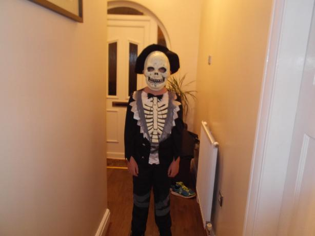 Childs age 11-12  Halloween outfit