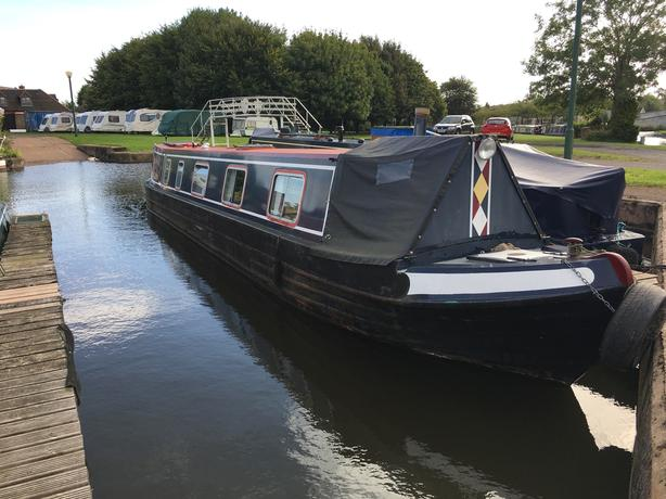 Narrow boat