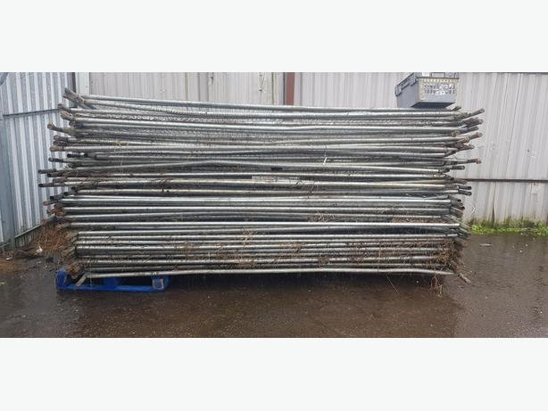x43 Heras Fencing x40 feet blocks x20 fixing brackets