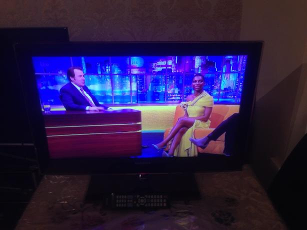 32 INCH SAMSUNG LED TV HD READY FREEVIEW MODEL VE32B6000VW WITH REMOTE