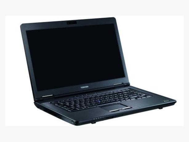 Toshiba Laptop Fast intel i series Graphics Business Spec DVD 15.6 HD LED