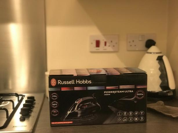 BRAND NEW: Russell Hobbs 3100W Powersteam Ultra Steam iron