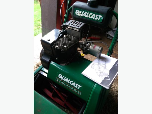 lawn mower qualcast classic 35s with scarifer