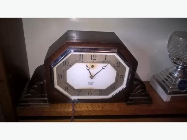 Smiths sectarian matle clock
