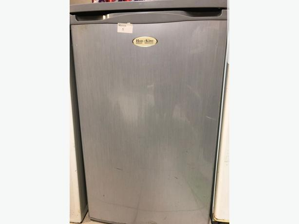 Silver Iceking Undercounter Freezer in Silver Good Condition Can Deliver for £5