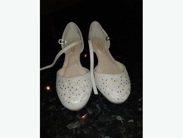 GIRLS WHITE BRIDESMAIDS SHOES