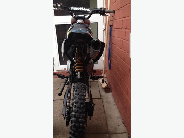welsh stomp pit bike