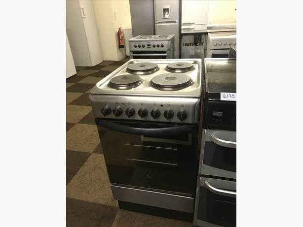 INDESIT 50 CM WIDE ELECTRIC COOKER