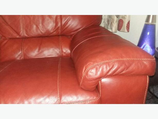 2 Seater Settee red leather
