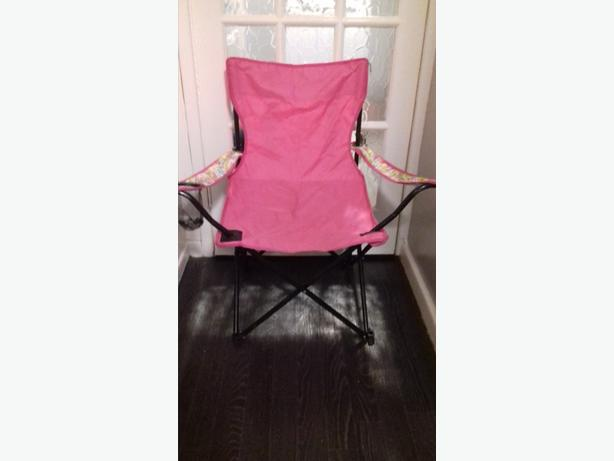 GIRLS PINK FOLDING CHAIR
