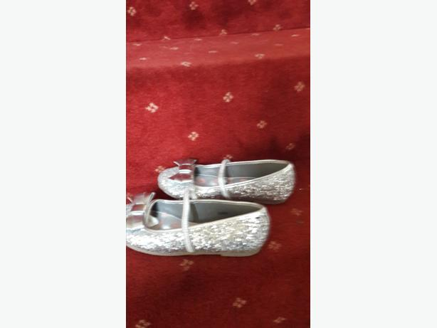 girls size 2 sparkly glitter shoes
