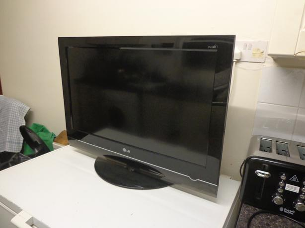 lg 32 inch full hd 1080p lcd tv+freeview+remote+working good+FREE DELIVERY