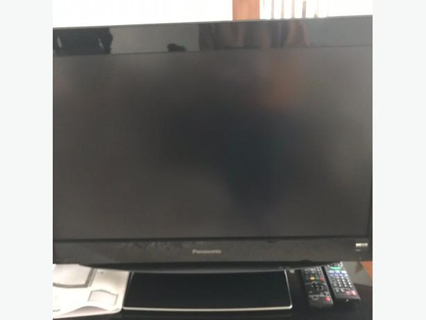 panasonic 32 inch hd lcd tv+freeview+remote+manual+FREE DELIVERY