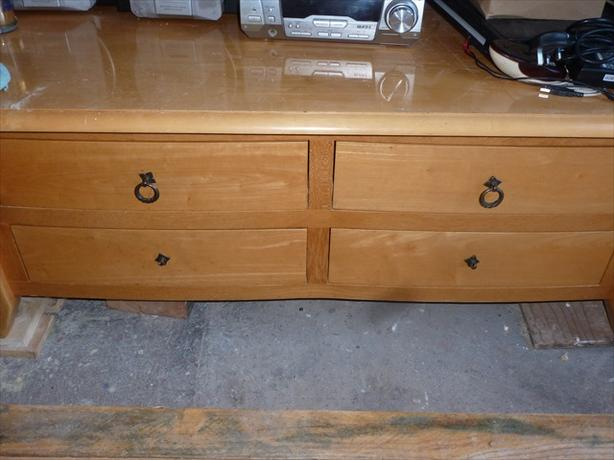 coffee table with 4 draws