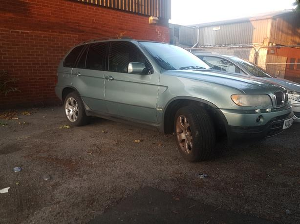 bmw x5 e53 breaking