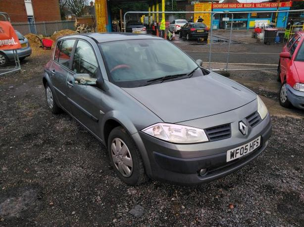 Renault Megane 1.5 DCI (with towbar)