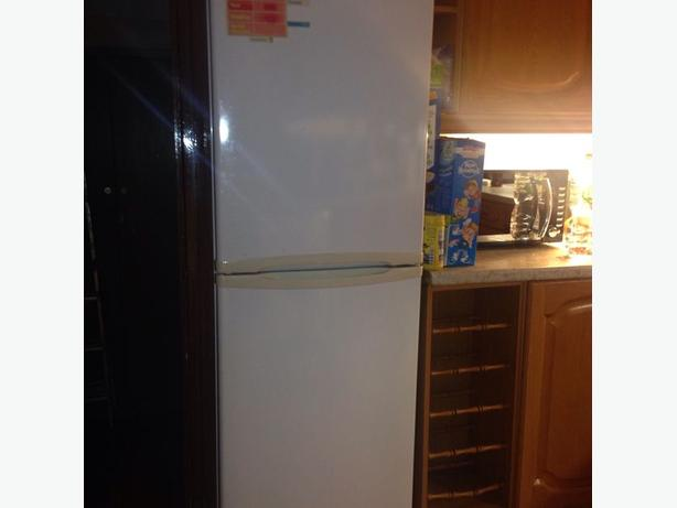 candy 6ft frost free fridge freezer+good working order and FREE DELIVERY