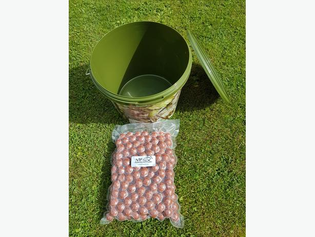 2kg Tigernut Boilies + Camo Bucket Fishing