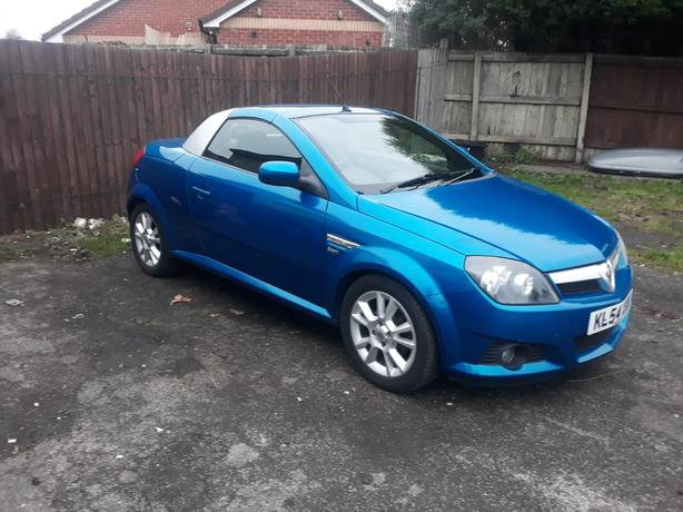 new years deal little 54plate 1.8 convertable moted Feb drives mint