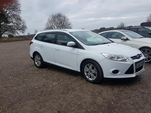 ford focus estate 12 reg