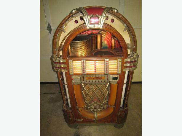 Wurlitzer 1015 Jukebox Bubbler 1946 Original Plays Well Works