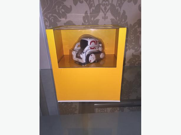 ANKI COZMO ROBOT.. MINT CONDITION.. £70