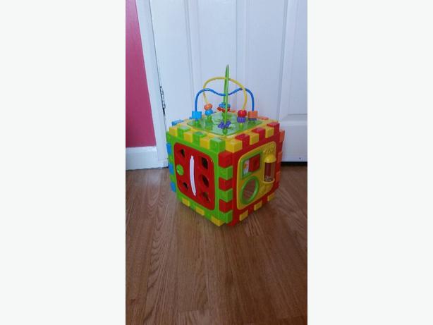 babies activity cube & toys