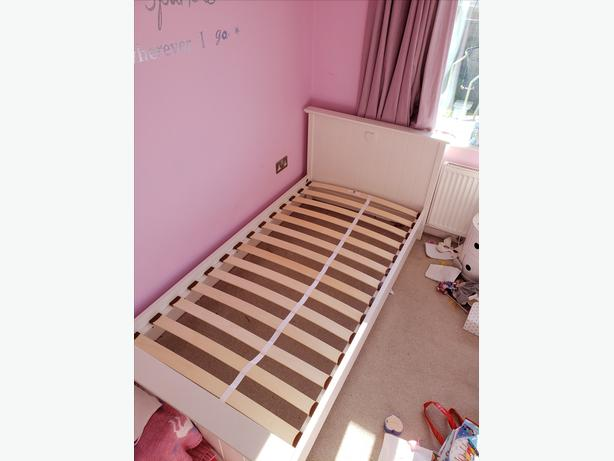 Solid wood unisex kid's single bed